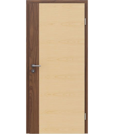 Veneered interior door with a combination of a transverse and longitudinal structure VIVCEline – F5 walnut, strip Maple